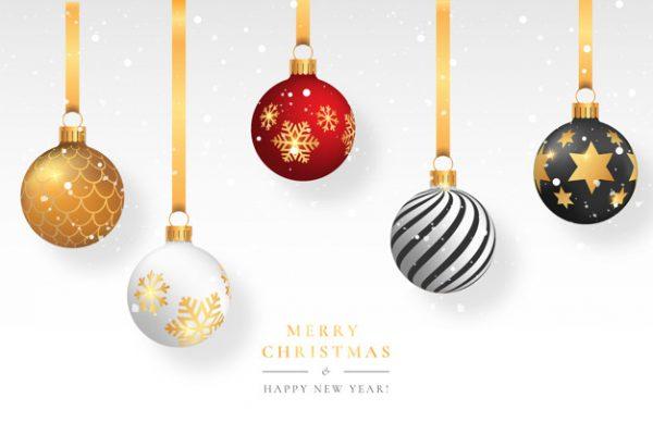 فایل psd وکتور پس زمینه برفی کریسمس با توپ های تزئینی آویز